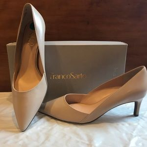 New with tags, Franco Sarto taupe leather pump